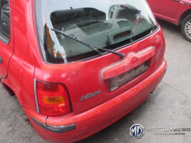 Nissan Micra K11 rossa 5 porte 1992 2002 2