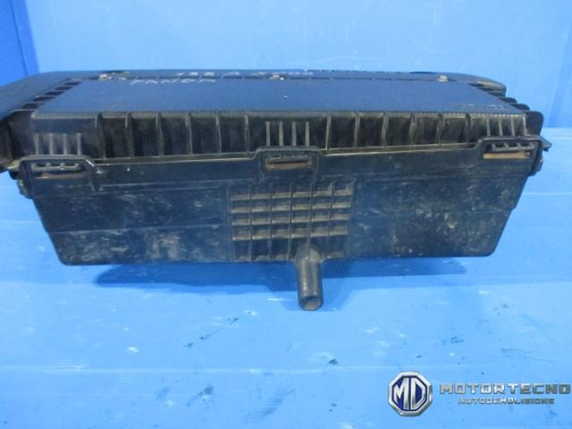 Scatola filtro aria fiat idea panda punto 188 doblo 39 1 3 for Filtro aria cabina passat 2012